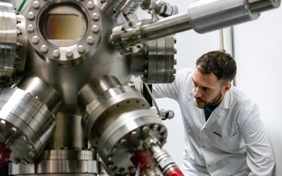Un estudio liderado por el CSIC propone una nueva teoría para explicar la transparencia de los óxidos metálicos